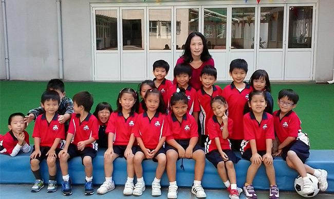Chong Ah認為女性都應該有自己的事業,她很高興學院的課程有助她當上小學老師