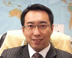 持續及專業教育諮詢委員會委員 康泰旅行社董事總經理黃進達先生