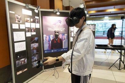 透過虛擬實境的體驗,市民可更深了解劏房戶的生活實況。