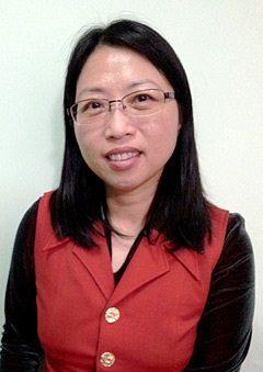 會計學高級文憑及Bachelor of Accounting課程畢業生陳少芳(Annie)。