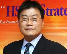 匯豐銀行亞太區人力資源部職業安全健康經理張成(Steve)先生。