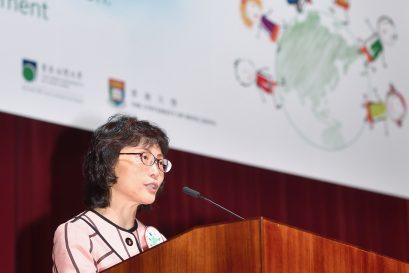 世界幼兒教育聯會香港分會會長李南玉博士歡迎來自十多個國家及地區約1,100位與會者。