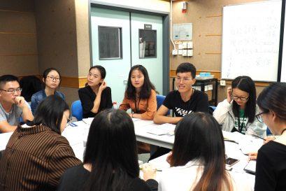 訪學團團員就不同教育議題進行分組討論。
