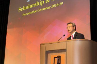 浸大持續教育學院院長鍾志杰教授為得獎者所付出的努力感到驕傲。